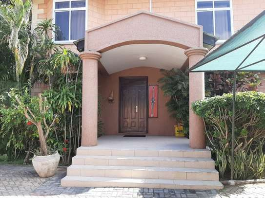 2 Bedrooms Home In Oysterbay For Rent image 13