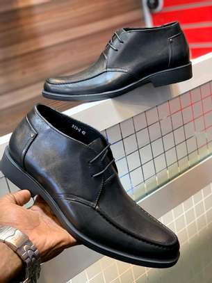 Mens grade one leather shoes. image 2