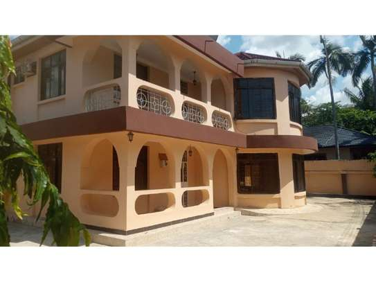 6bed house for sale at msasani image 1