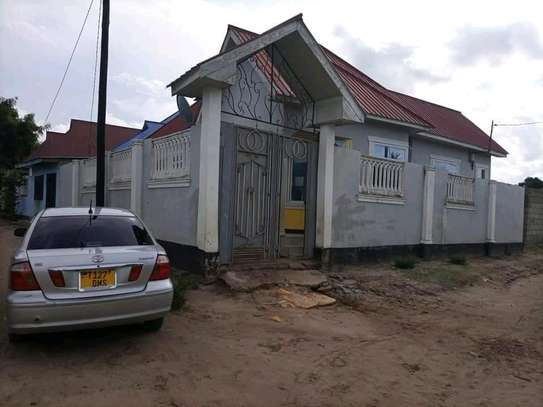 4 bdrms New House going cheap at Mbaga Saku/CHAMAZI image 2