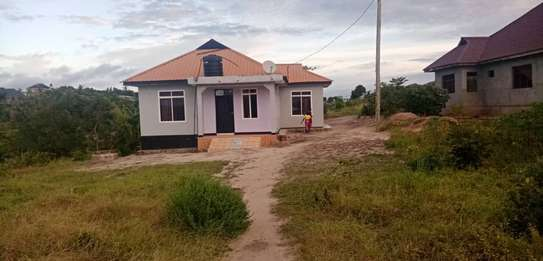 3 bed room house for sale 60ml at kigamboni tuangoma plot areas sqm 1600 image 1