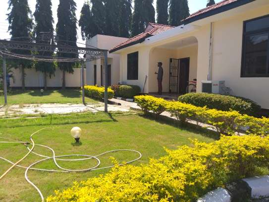 3BEDROOMS VILLA HOUSES FOR SALE TSHS 350MLN AT MBEZI BEACH