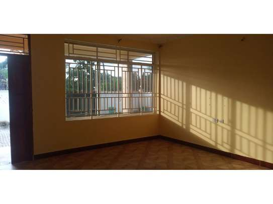 3 bed room villa for rent tsh 800000 at tank bovu image 10