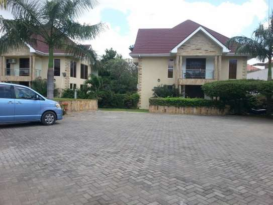 4 bedrooms Villa in Gated Compound In Oysterbay For Rent image 15