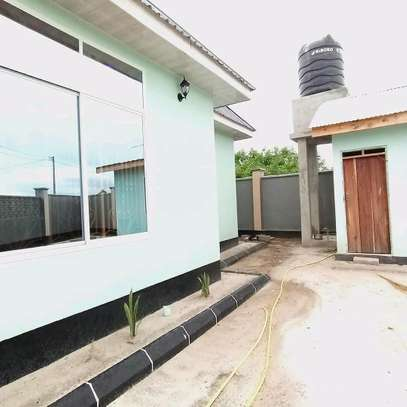 BUY OUR NEW KIBADA KIGAMBONI AREA HOUSE AT LOWERED PRICE. image 3