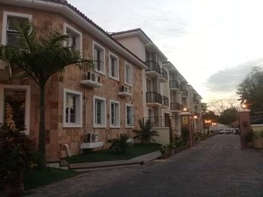Diplomatic Apartment in Oysterbay