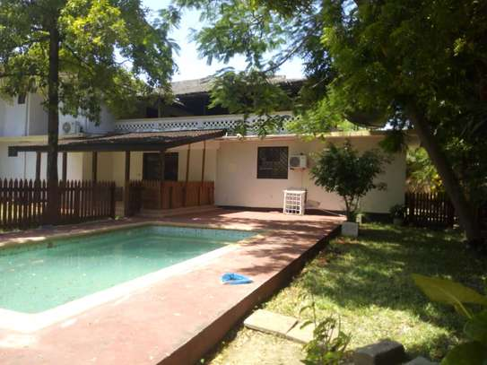 4 bed room house,  and 3 bed all ensuite located at masaki house with pool, stand by generator . image 7