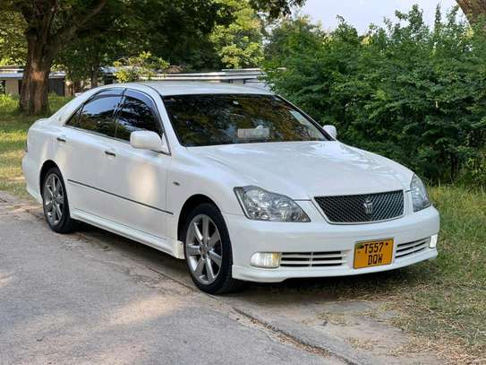 2004 Toyota Crown Athlete image 4