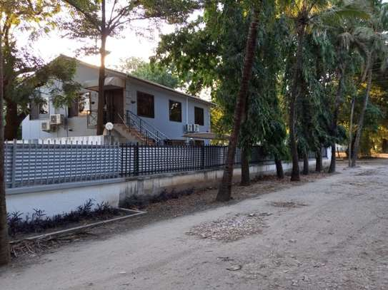 4bed house awith big compound at ada estate $1500pm image 5