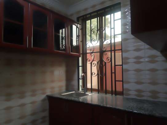 3BEDROOM APARTMENT HOUSE FOR RENT IN NJIRO image 3