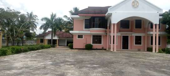 5 bed room house for sale at chanika image 10