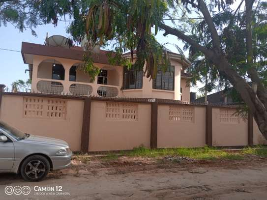 6bdrm house to let in msasani