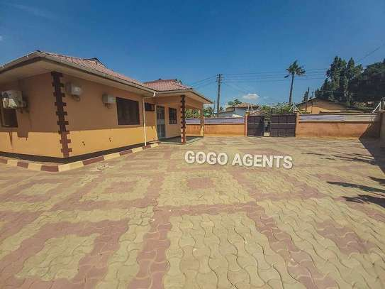Three bedrooms stand alone for rent image 3