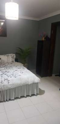 1 bed room house stand alone for rent short stay per day at mikocheni a image 5