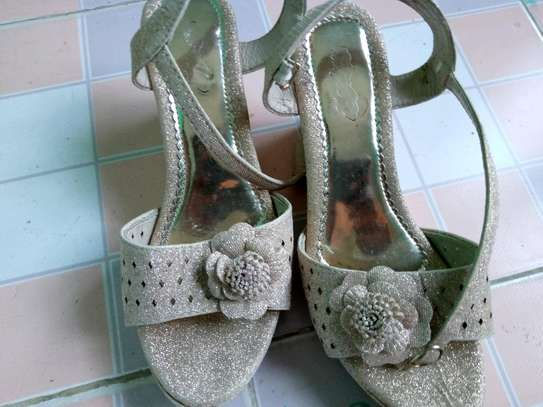 #SIMPLE MANAGABLE HIGH HEEL SHOES image 3