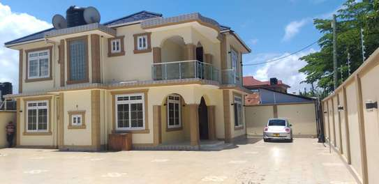 big servant quater for rent at kinondoni studio image 5