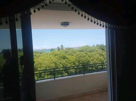 PENTHOUSE (FULLY FURNISHED 3BHK EN-SUITE)for SALE image 2