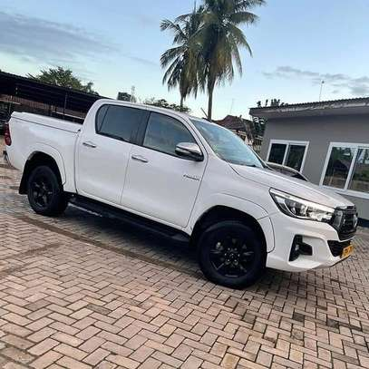 2018 Toyota Hilux Double Cabin image 1