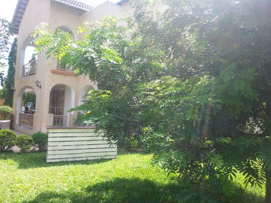 4 Bedrooms Large House In A Small Gated Community In Oysterbay image 12