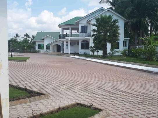 House For Rent At Bahari Beach image 1