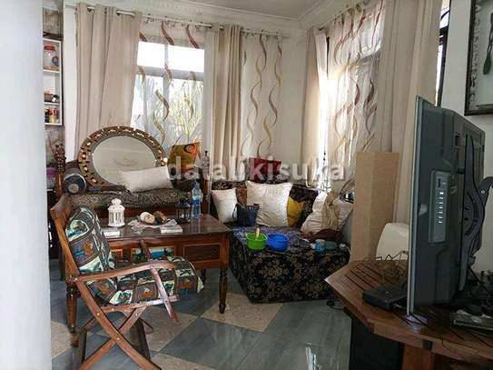One bdrm and sitting room FURNISHED apart for rent at KINONDONI image 4