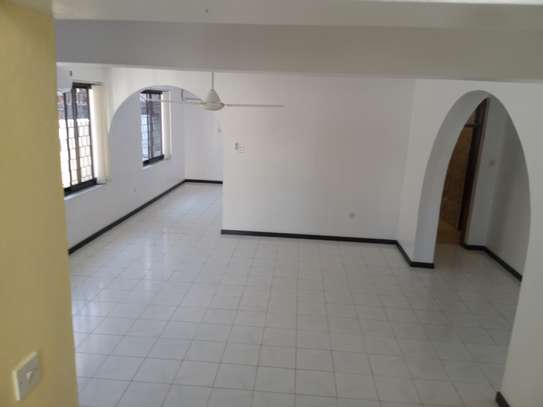 5 BEDROOMS BUNGALOW FOR RENT image 8