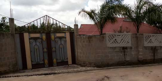 3bed house for sale by bank at goba magati bus stop and 6 frem tsh 65million image 7