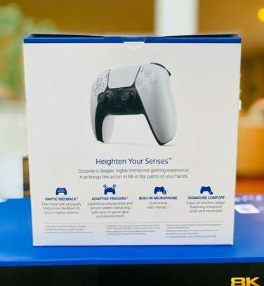PlayStation 5 Controller image 2