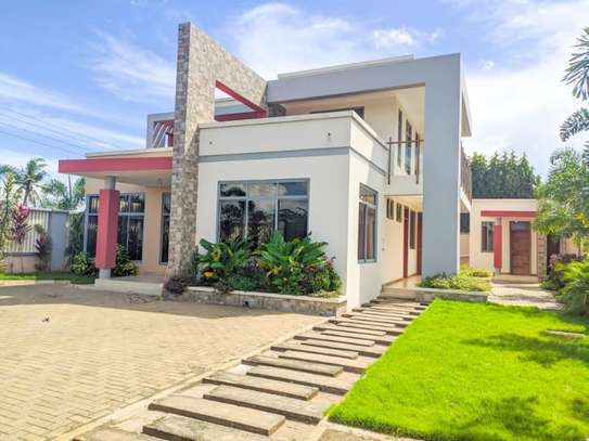 4 bed room for sale at kibada tsh 400mil amazng house image 1