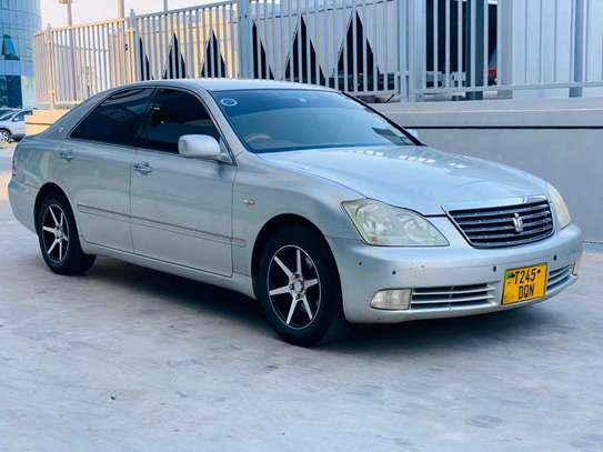 2004 Toyota Crown Royal Saloon image 8