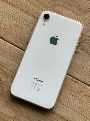 iPhone XR 64GB silver for sale
