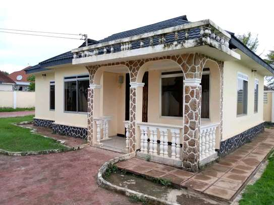 House for sale at Tegeta nyaishozi image 1