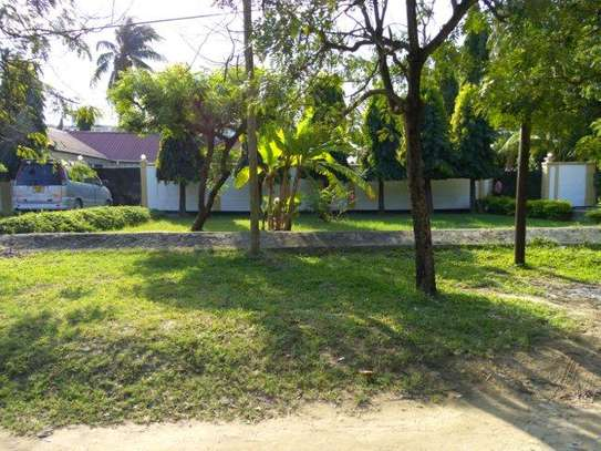 2bed furnished house at mikocheni 850000 image 7
