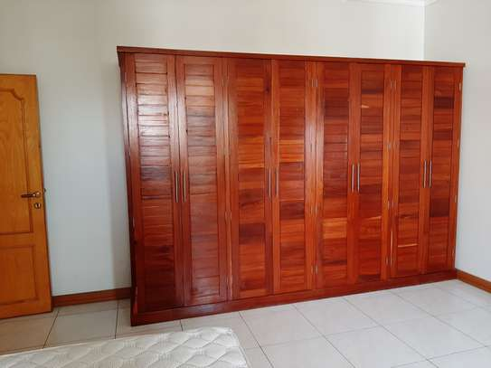 3 Bedrooms Apartment For Rent In Oysterbay image 3