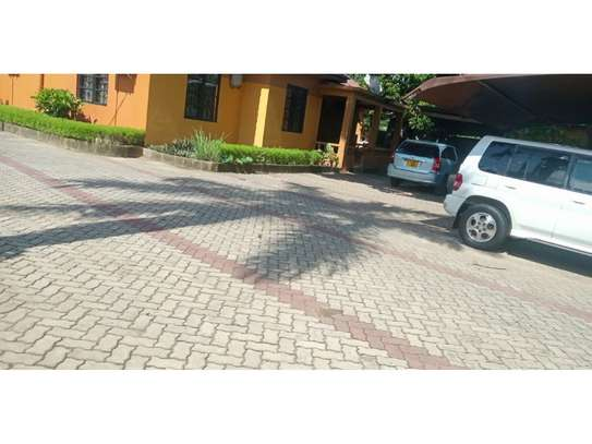 3 bed room all ensuet for rent tsh 800000 at mbezi beach rain ball image 4