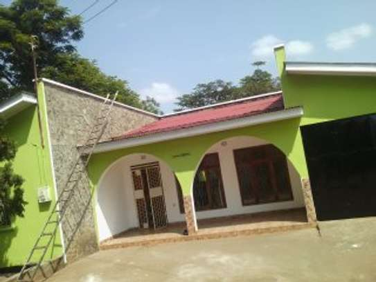 4BDR. HOUSE FOR SALE AT NJIRO