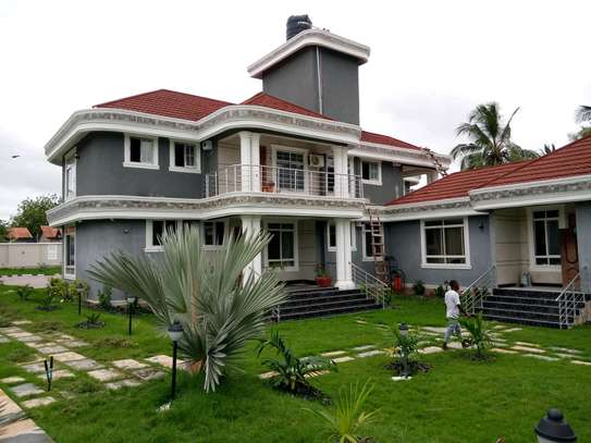 5 Bdrm Executive New Bungalow House Sqm 3500. in Mbezi Beach image 2