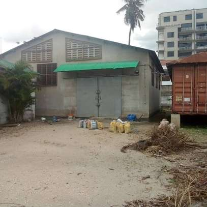 Rent an office/warehouse/3 containers at Regent Office image 1