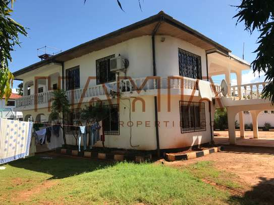 4 Bdrm House for sale in Masaki image 5