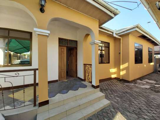 6 bedroom house for rent suitable for OFFICE image 2