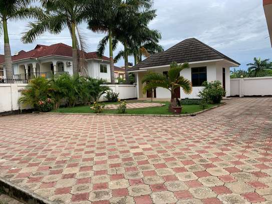 5 Bedroom Fully furnished  at Mbezi Beach image 3