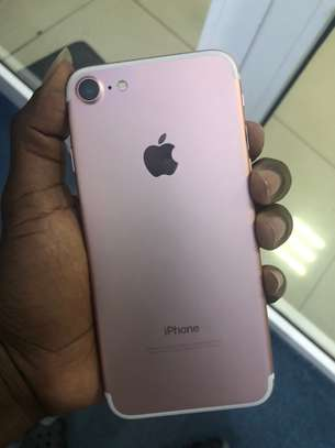 iPhone 7 32GB Rosegold for sale image 2