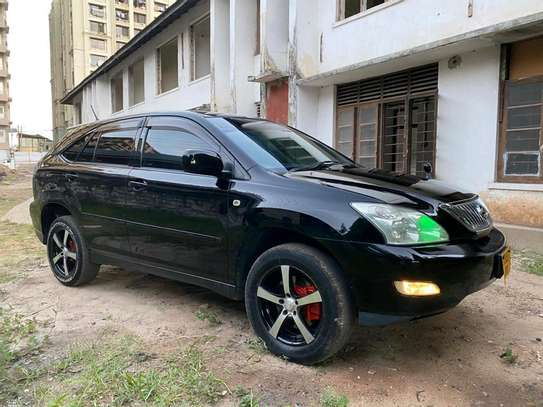 2005 Toyota Harrier image 1