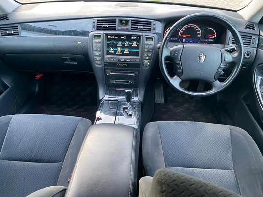 2006 Toyota Crown image 5