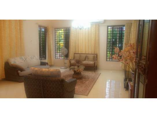 1 Bdrm Diplomatic House in Botanic Garden Furnished $1800pm at Oyster Bay Near Coco Beach image 12