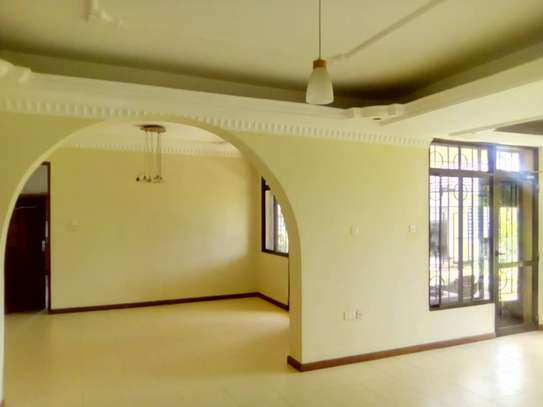 5 bed room house for sale at chanika image 4
