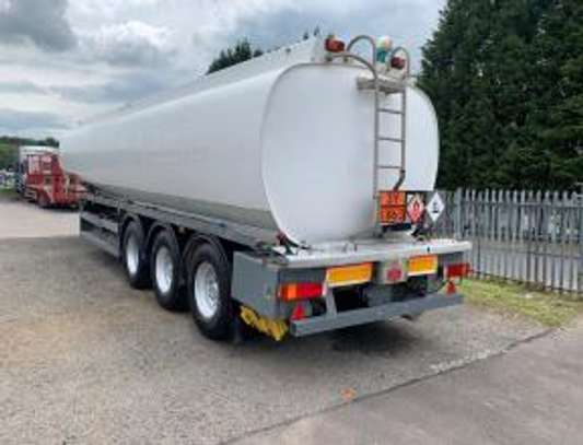 1999 THOMPSON CARMICHAEL TRI AXEL 39000LTRS TANKER USD25000 UP TO DARPORT image 4