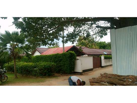 two houses for sale in the compound at masaki  2000sqm  price $1,000,000 image 5