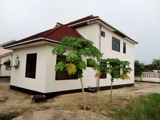 5 bed room house for sale at boko image 7