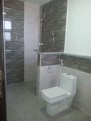 5 Bedrooms Villa For Rent In Oysterbay image 13